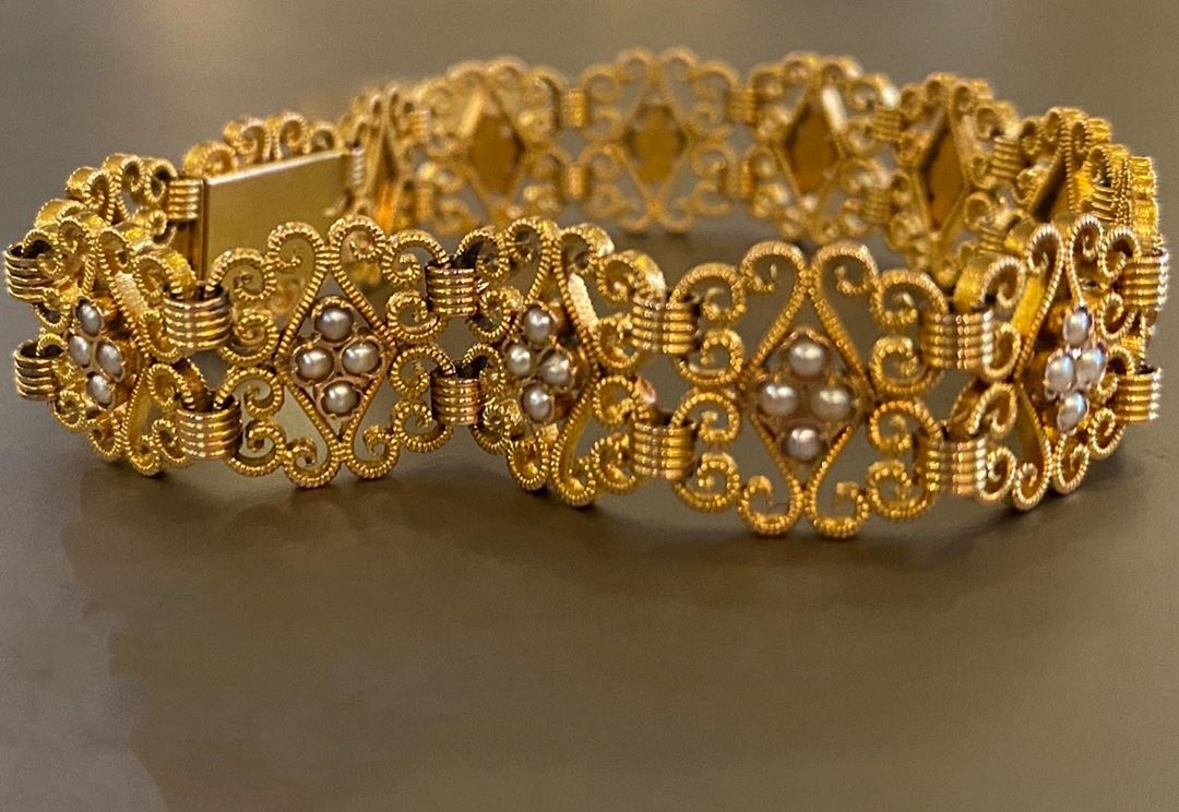 A #19thcentury gold bracelet available @secondpetale #ancientjewelry